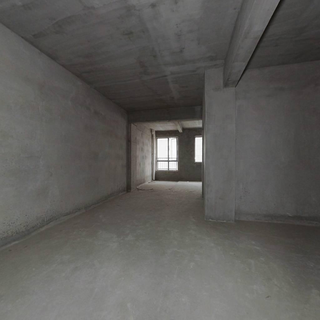 纯毛坯房,楼层好,产权清晰,业主诚心出售