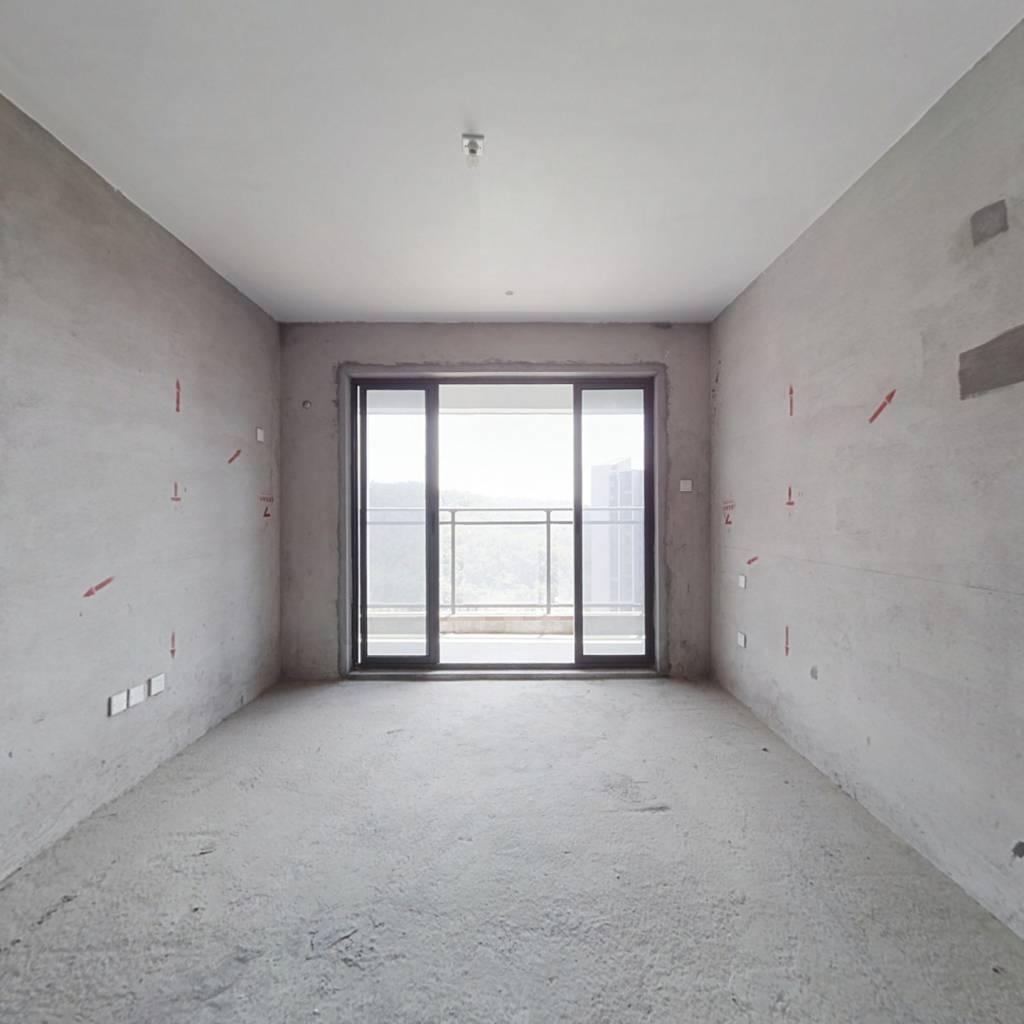 全新毛坯,高楼层景观好,给自己更多的装修空间