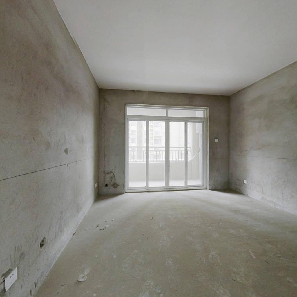 房屋满2年了 看中可以跟房主谈价格。