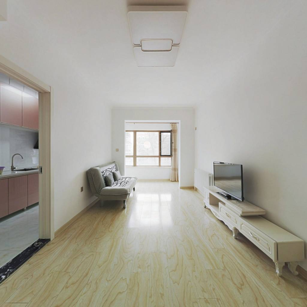 会展商圈梧桐语小区一室一厅精装修拎包入住