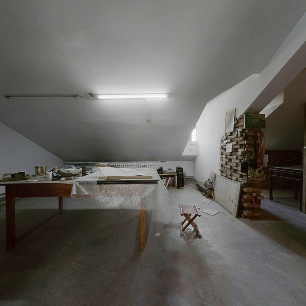 汇富名仕居三室两厅有双气成熟小区出行便利
