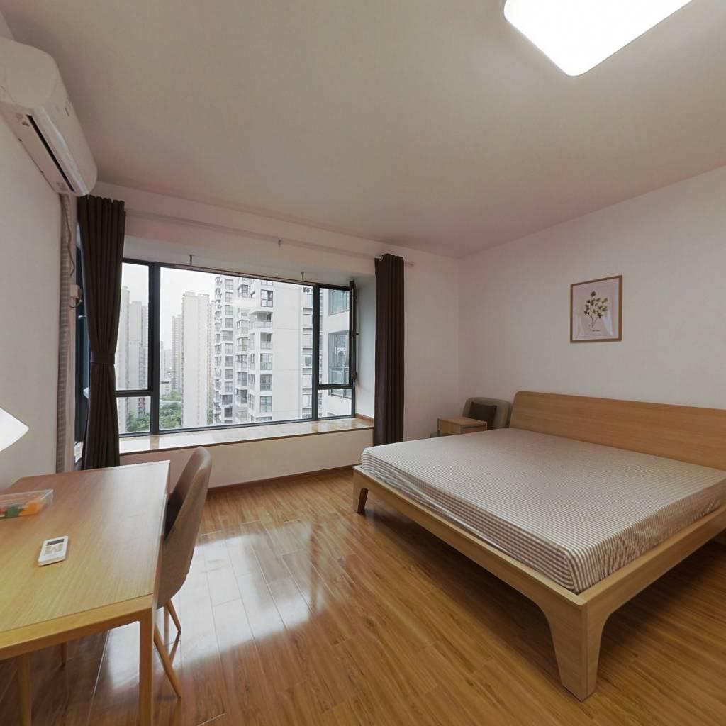 合租·东苑D区 4室1厅 南卧室图