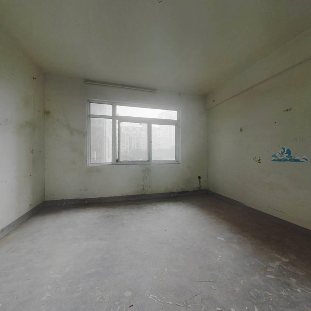 锦绣龙城H区纯毛坯通透肆房,中间楼层中间位置无遮挡
