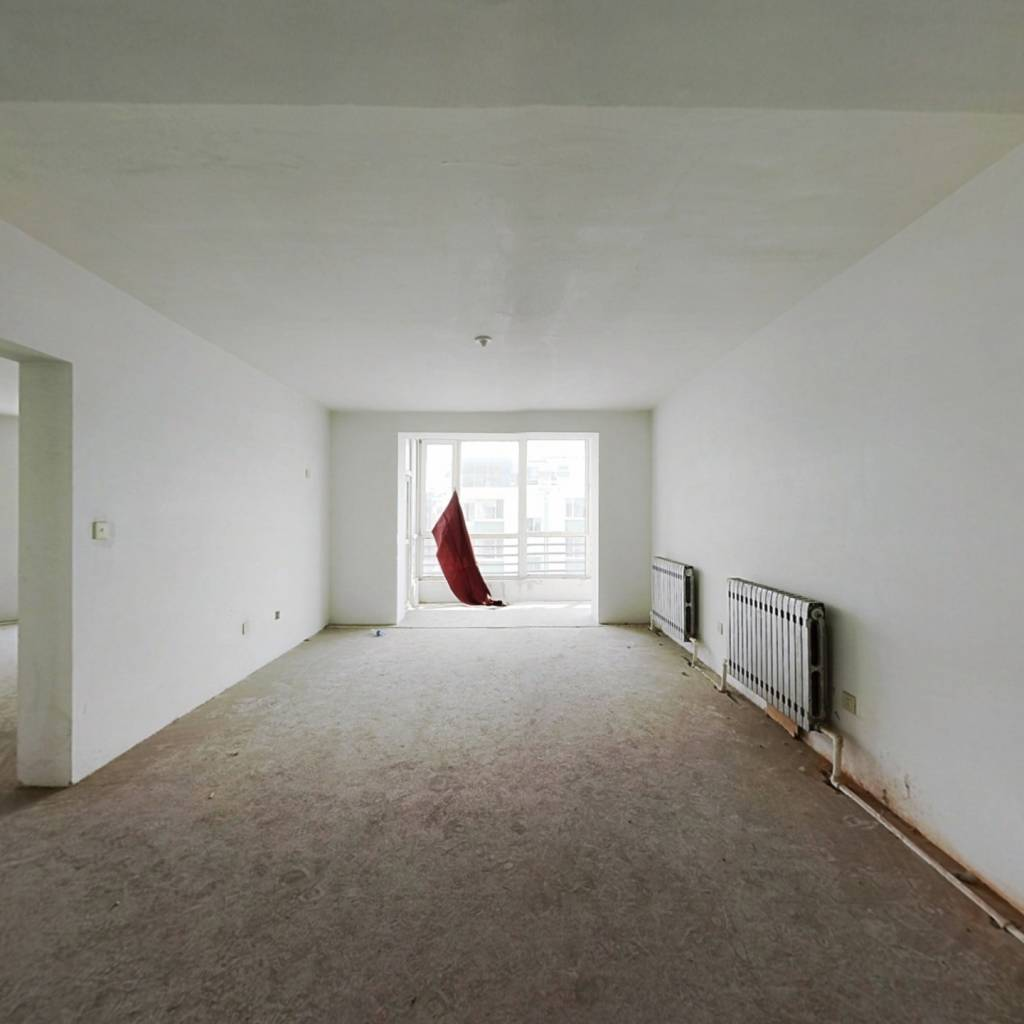 道义新城一期 6室2厅 南 北