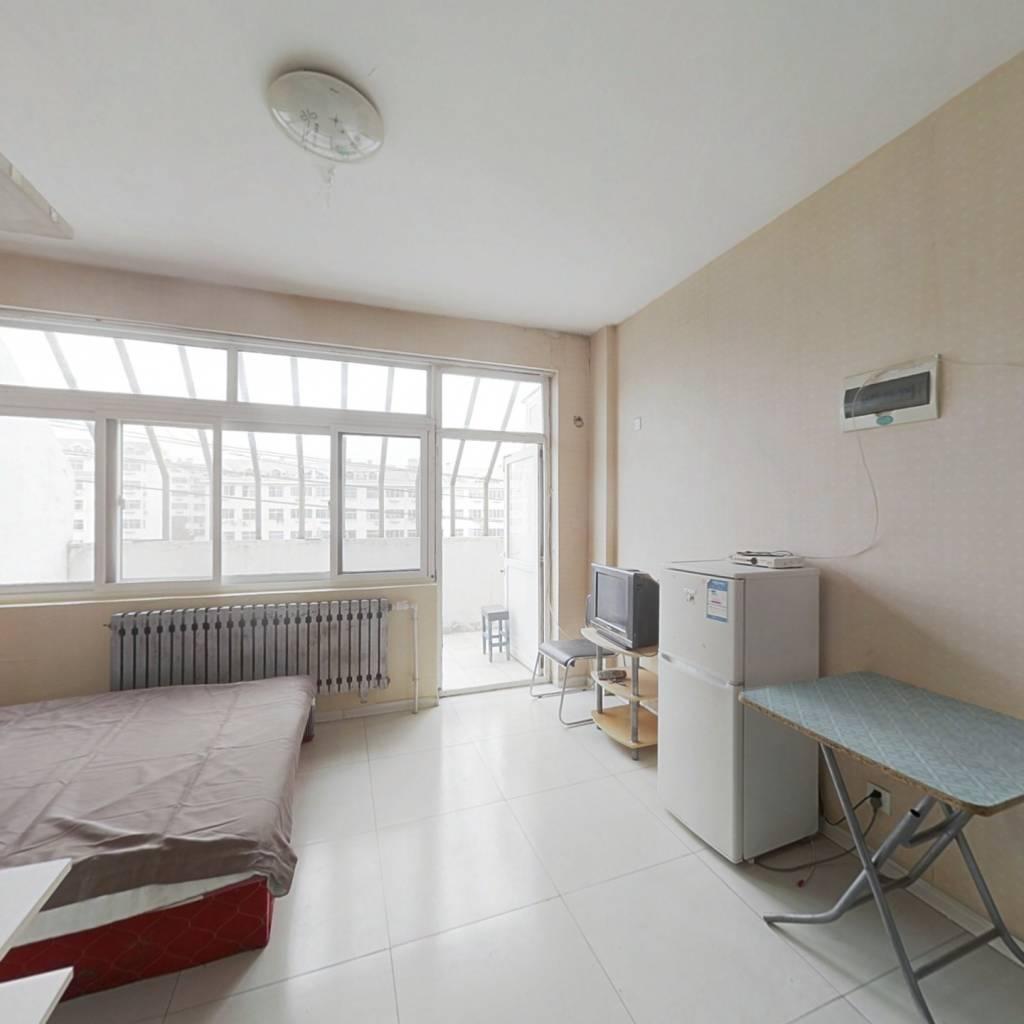 文苑小区 1室1厅 带10平露台 精装修 拎包入住