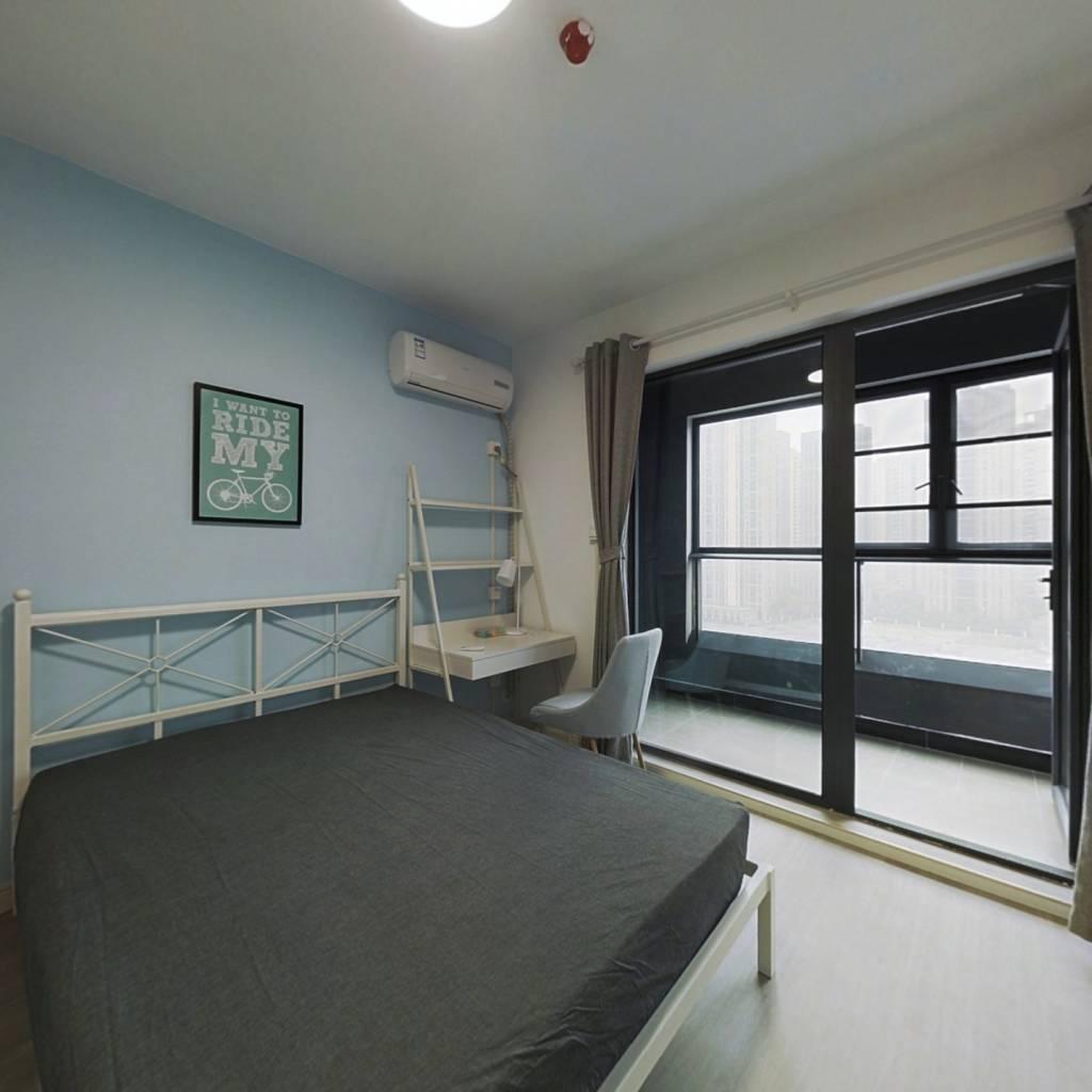 合租·融创公园壹号三期 4室1厅 南卧室图