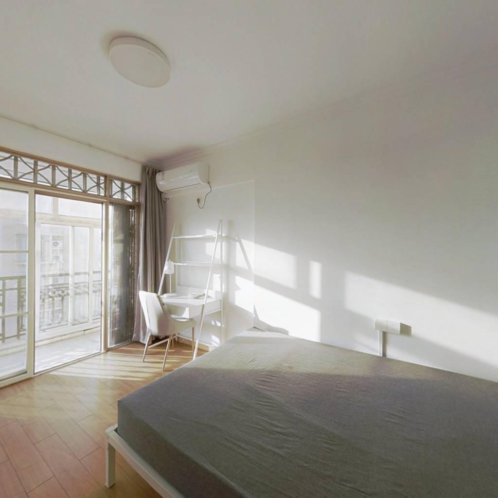 合租·愉景雅苑 3室1厅 南卧室图