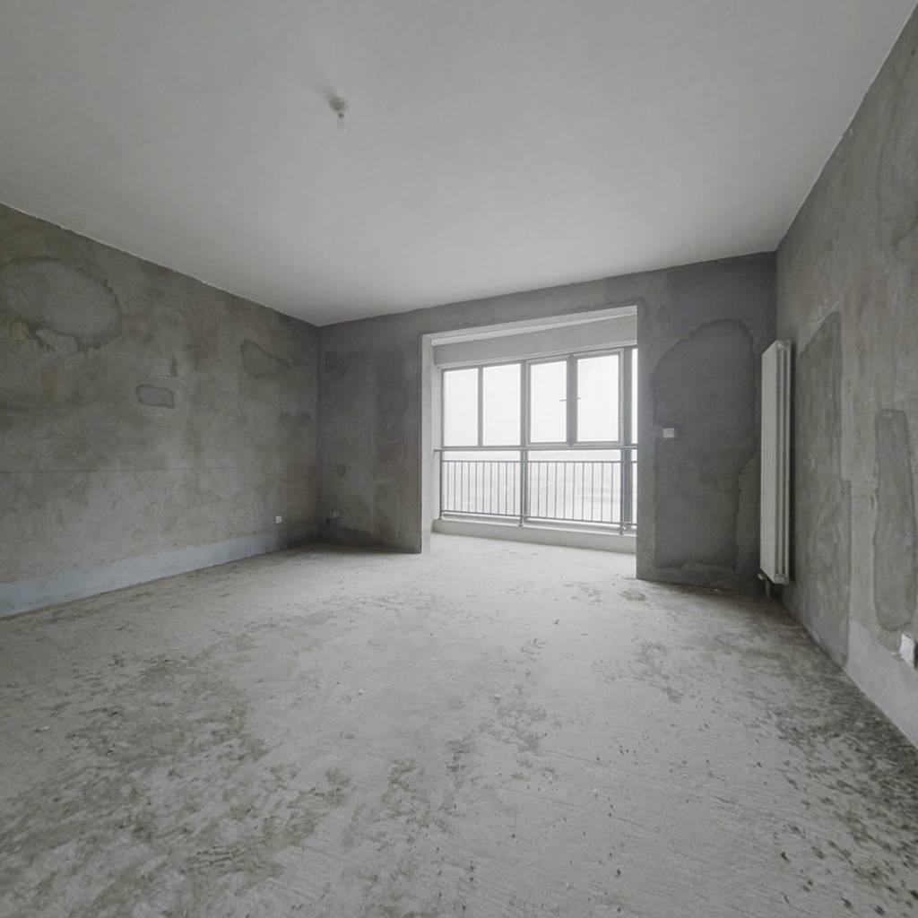 东区房本,电梯入户,高层住宅,环境幽美。。。。。。