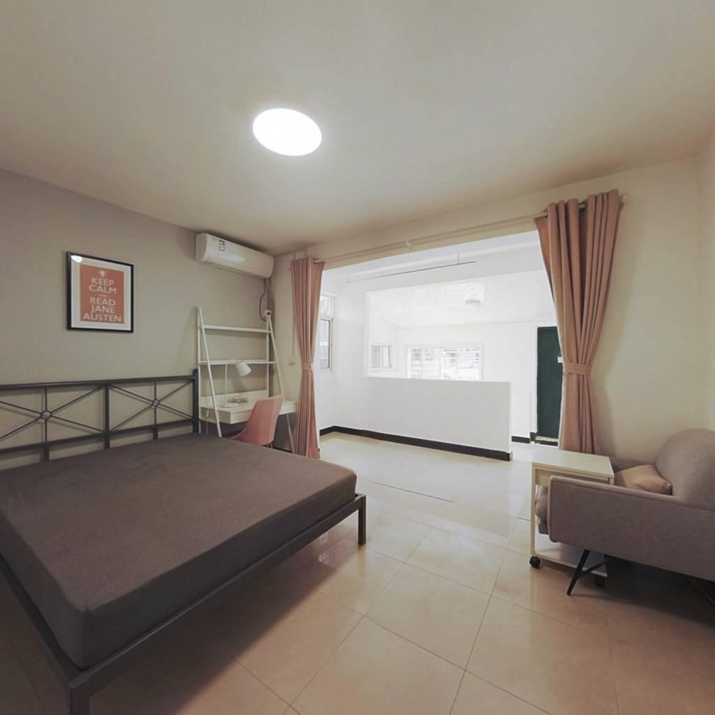 合租·虹苑新寓一村 3室1厅 北卧室图