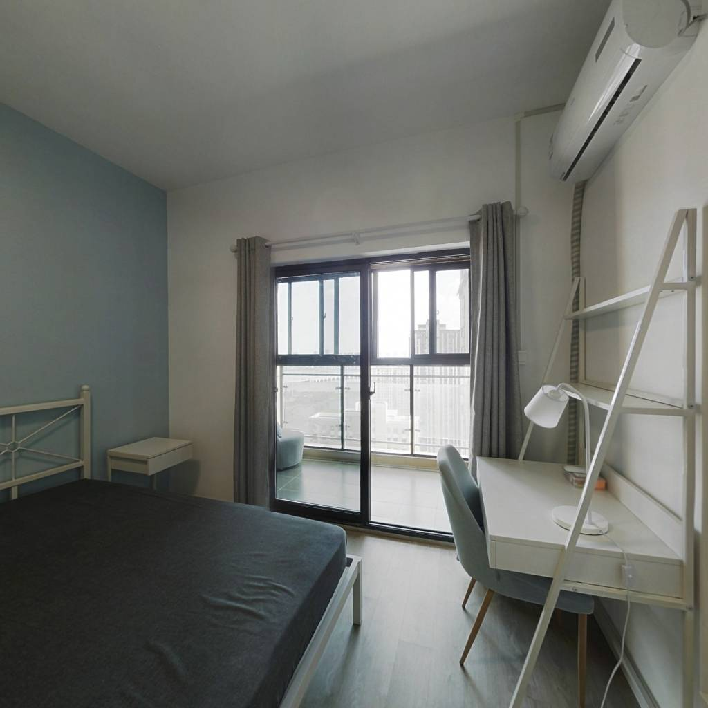 合租·钰龙湾景园 4室1厅 南卧室图