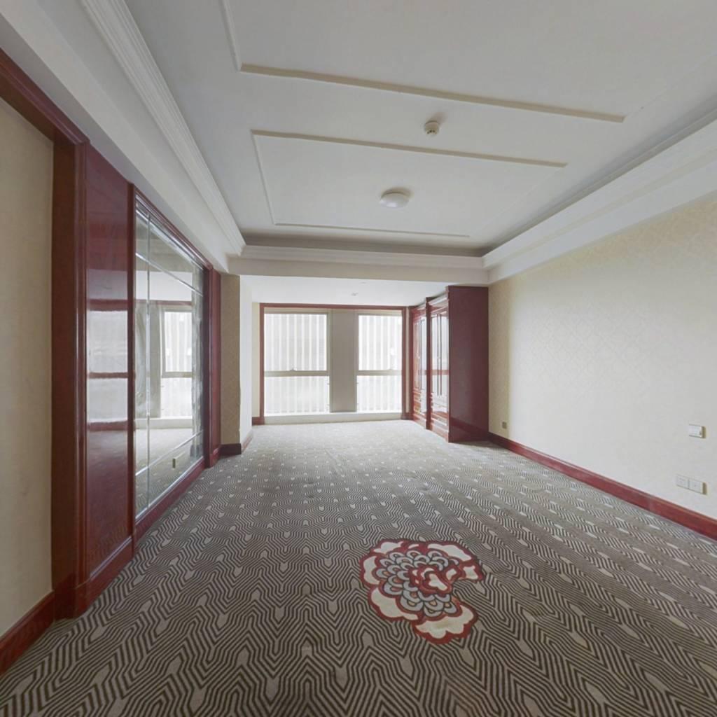 南部商务区,地段好单价低 户型方正 看房方便