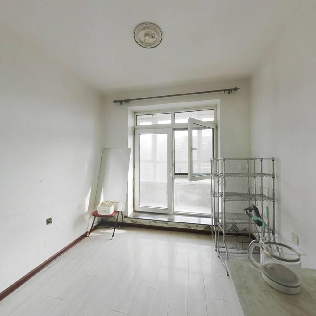 柏林现代城 3室2卫 带阁楼 成熟园区