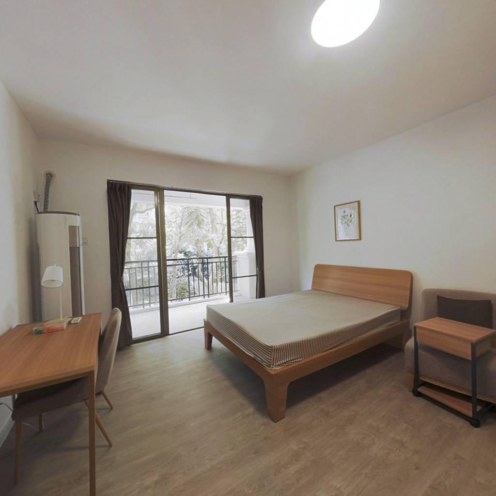 合租·保利林语山庄 4室1厅 东卧室图