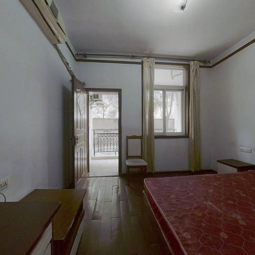 侨亚颐乐园  一室一厅  带独立阳台