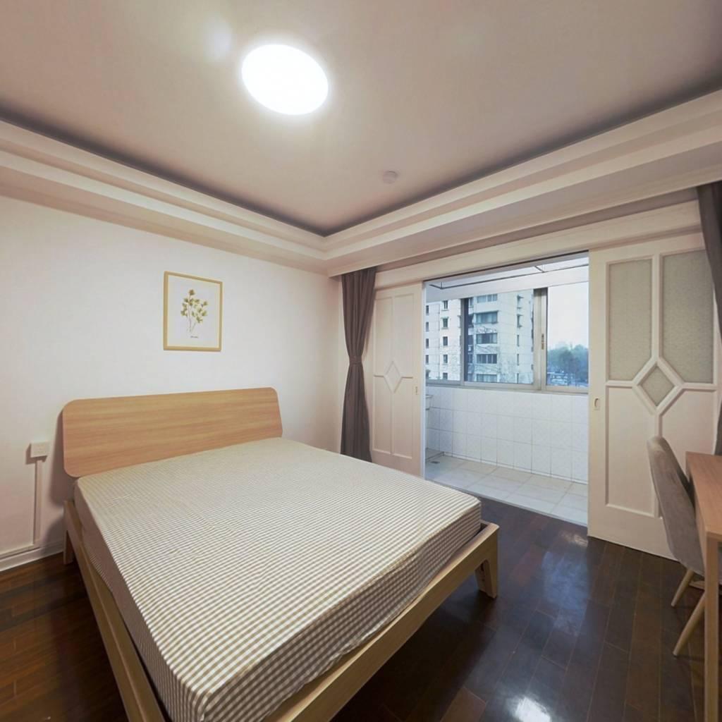 合租·水星阁 4室1厅 南卧室图