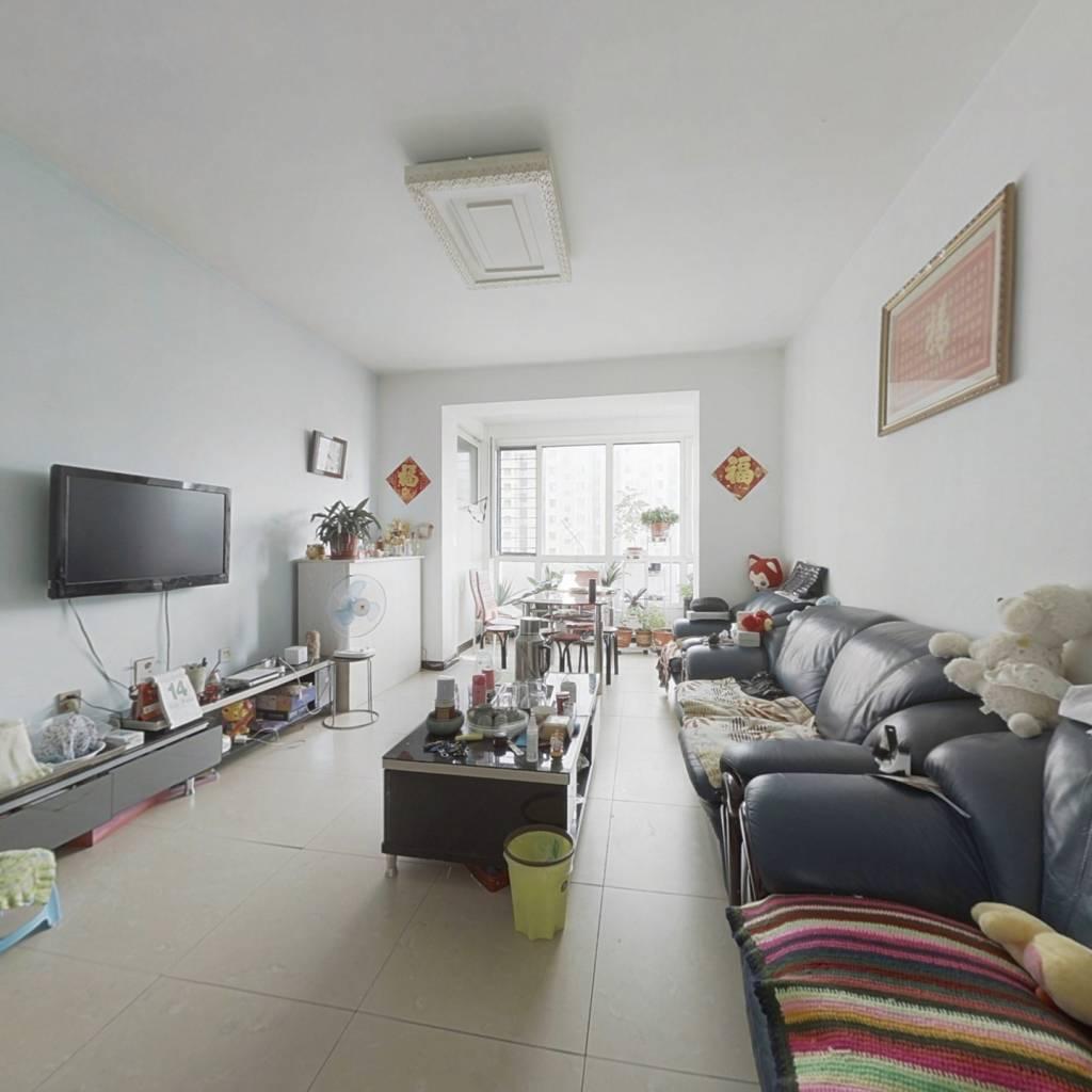 洋房,122平方,单价低,可看房,业主诚意出售。满二
