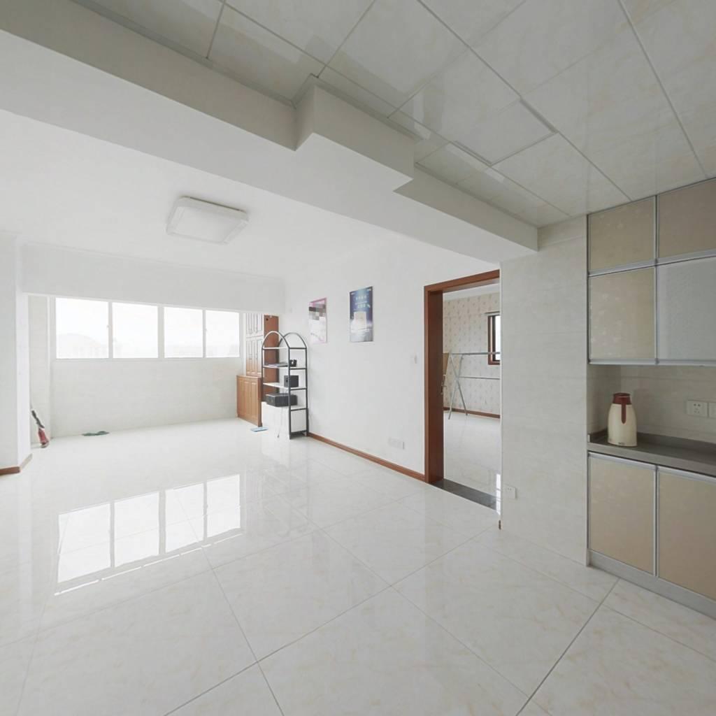 宝龙国际公寓 2室1厅 南