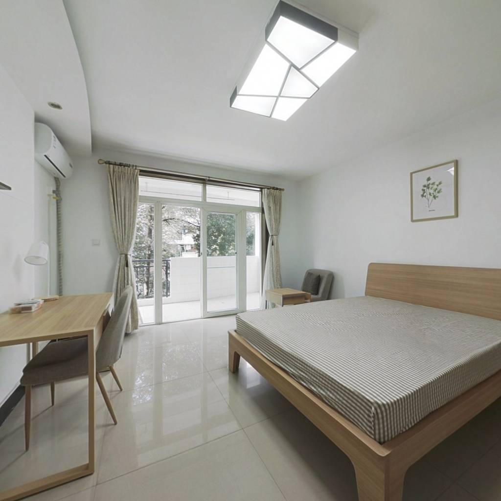 合租·新龙苑西区 4室1厅 西卧室图