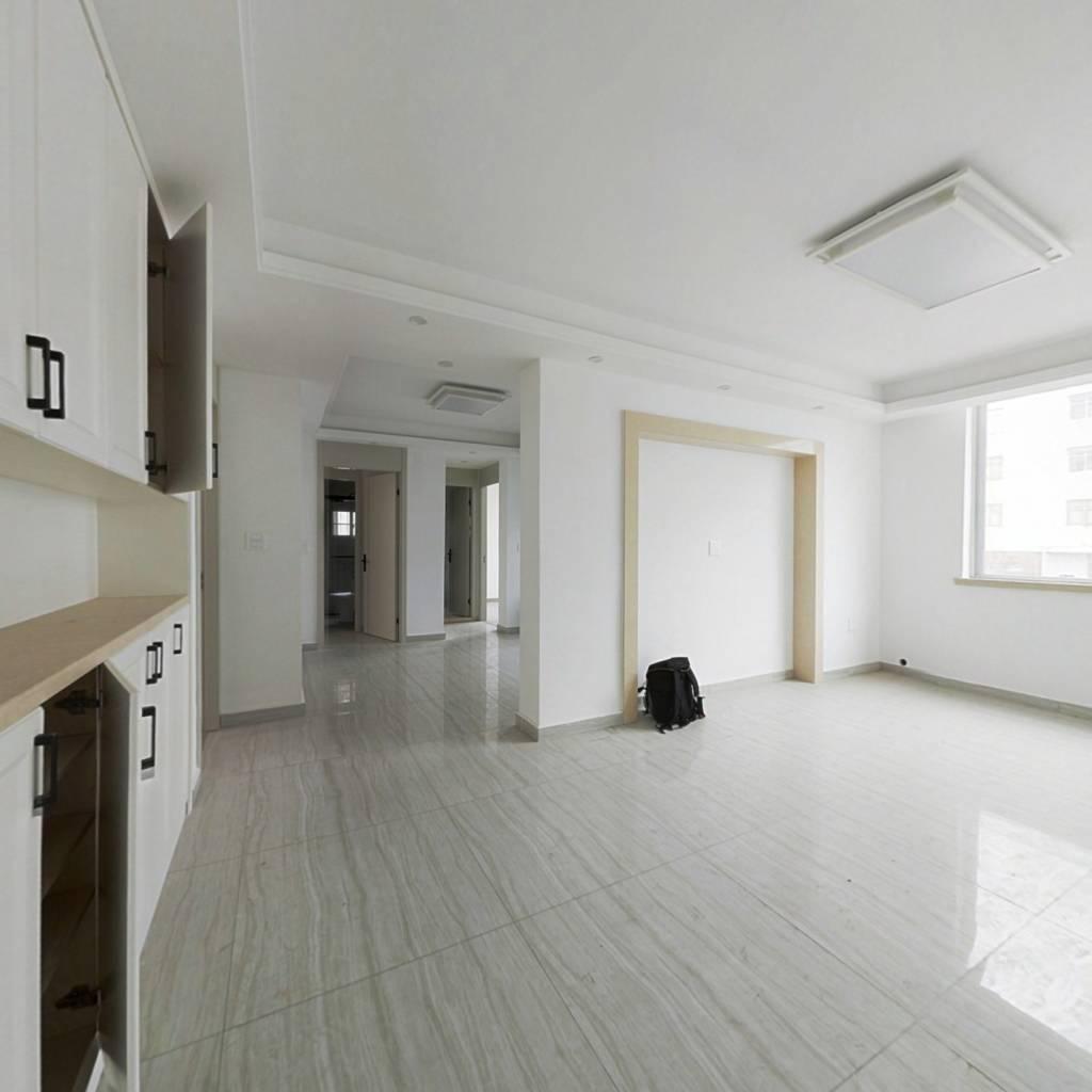 乐清新金公寓3-2-1-1 115.00m² 73 万