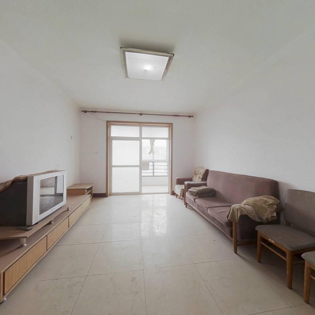 雪区房 两室改三室 看房方便 房东诚心出售