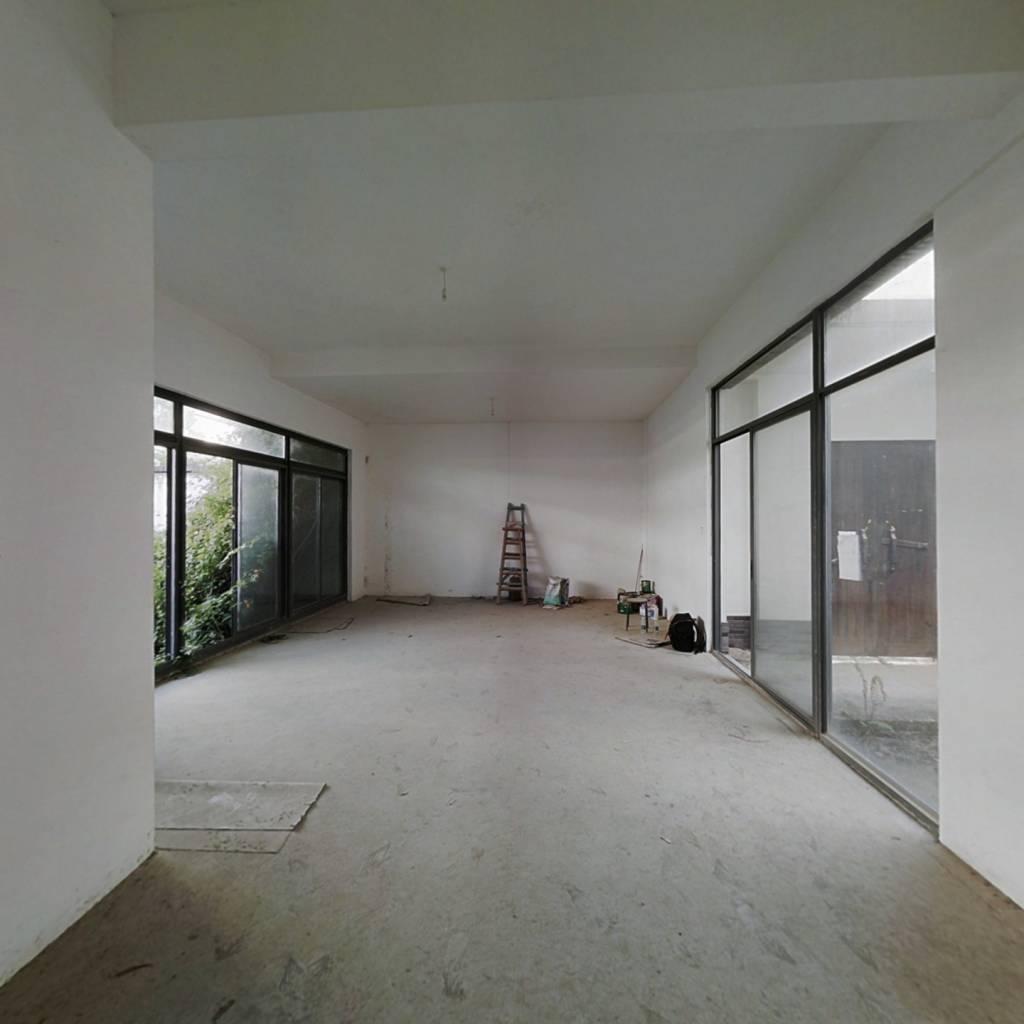 北京 中式四合院别墅 独门独院实用面积超大大花园大