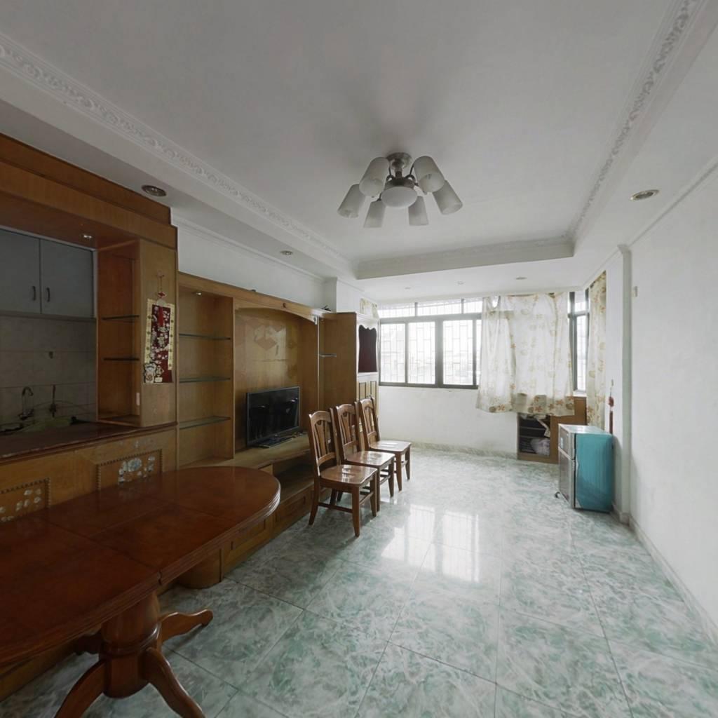 三房两厅精装修,低价出售,高楼层,适合养老