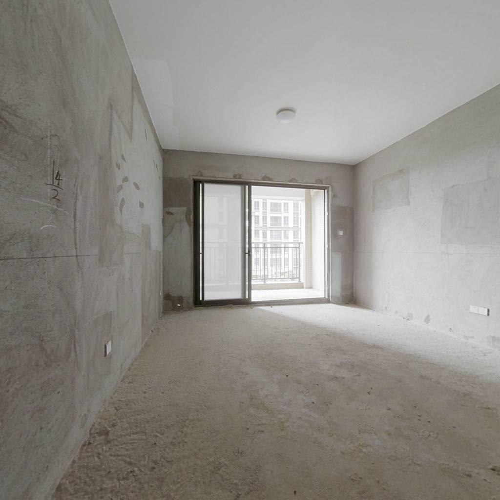 海伦堡松湖湾 4室2厅 205万