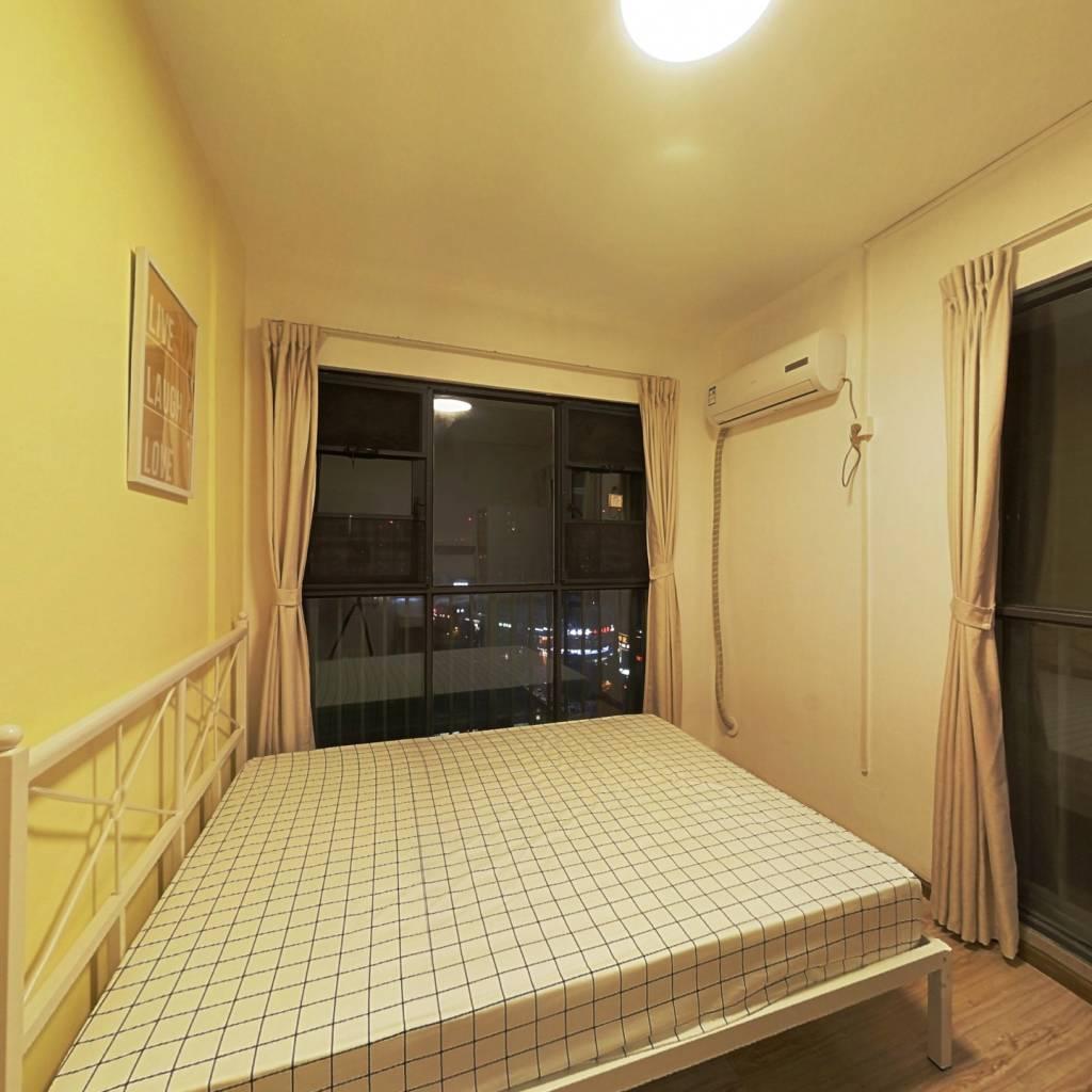 合租·保利花园三期 4室1厅 南卧室图