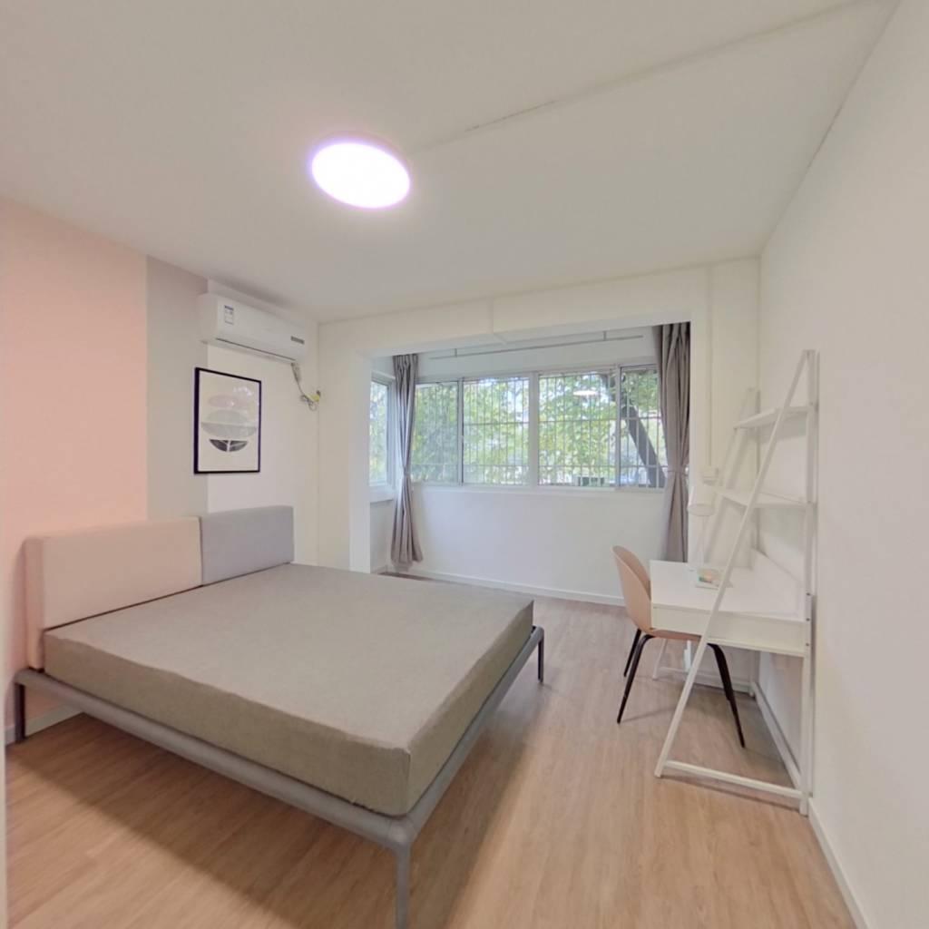 合租·东体育会路400弄 3室1厅 南卧室图