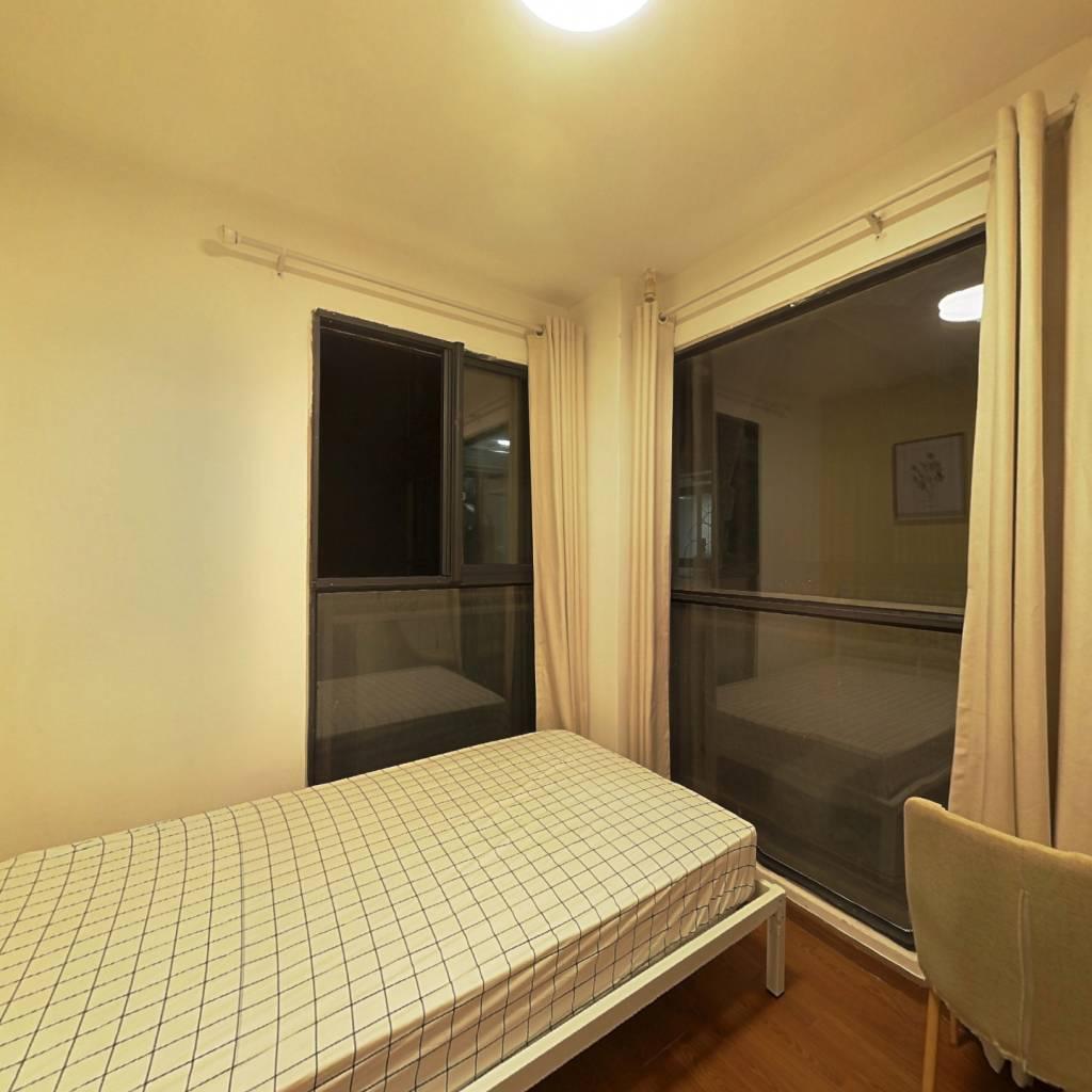 合租·西岸观邸 4室1厅 东卧室图