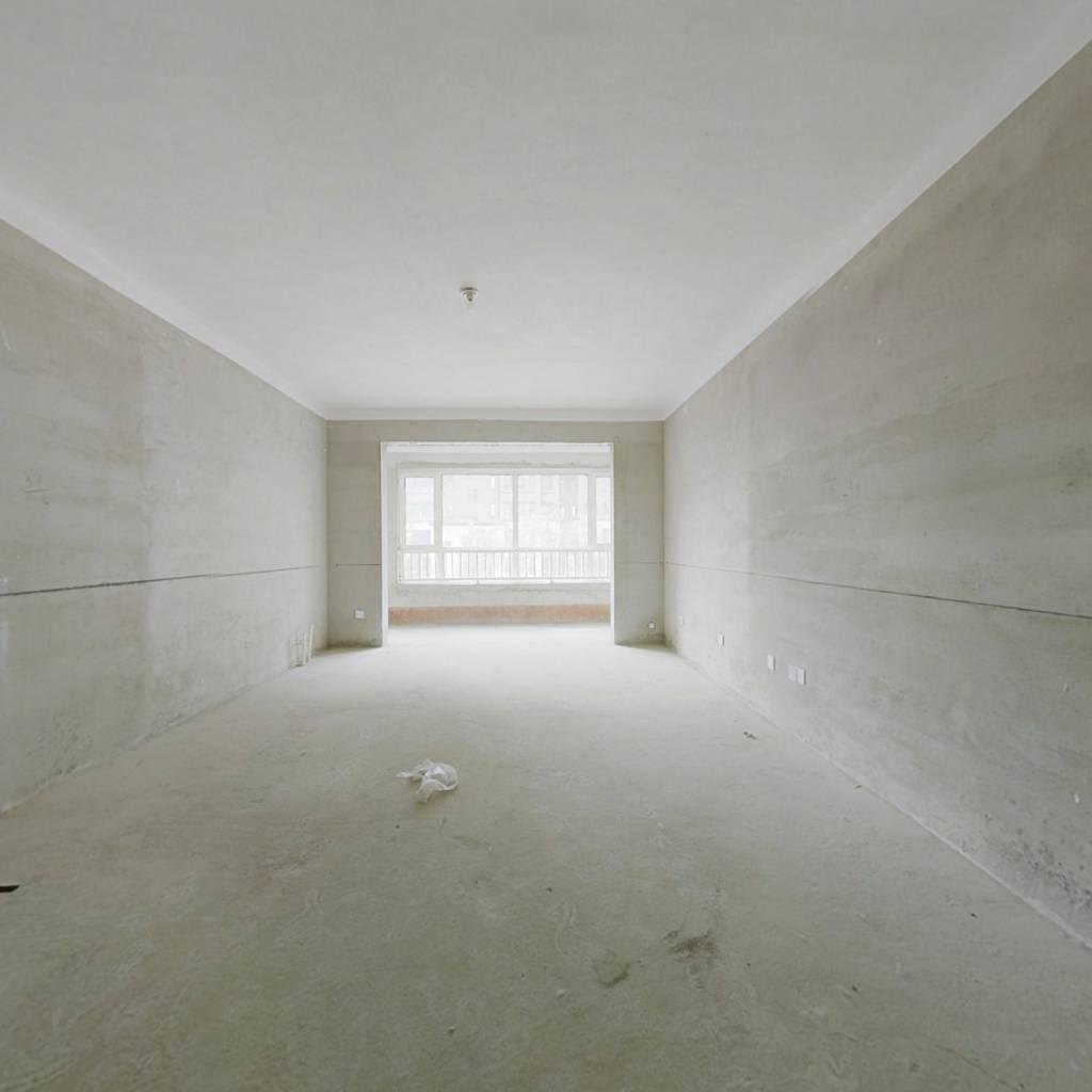 此房电梯洋房 一梯两户 公摊小 好楼层位置佳