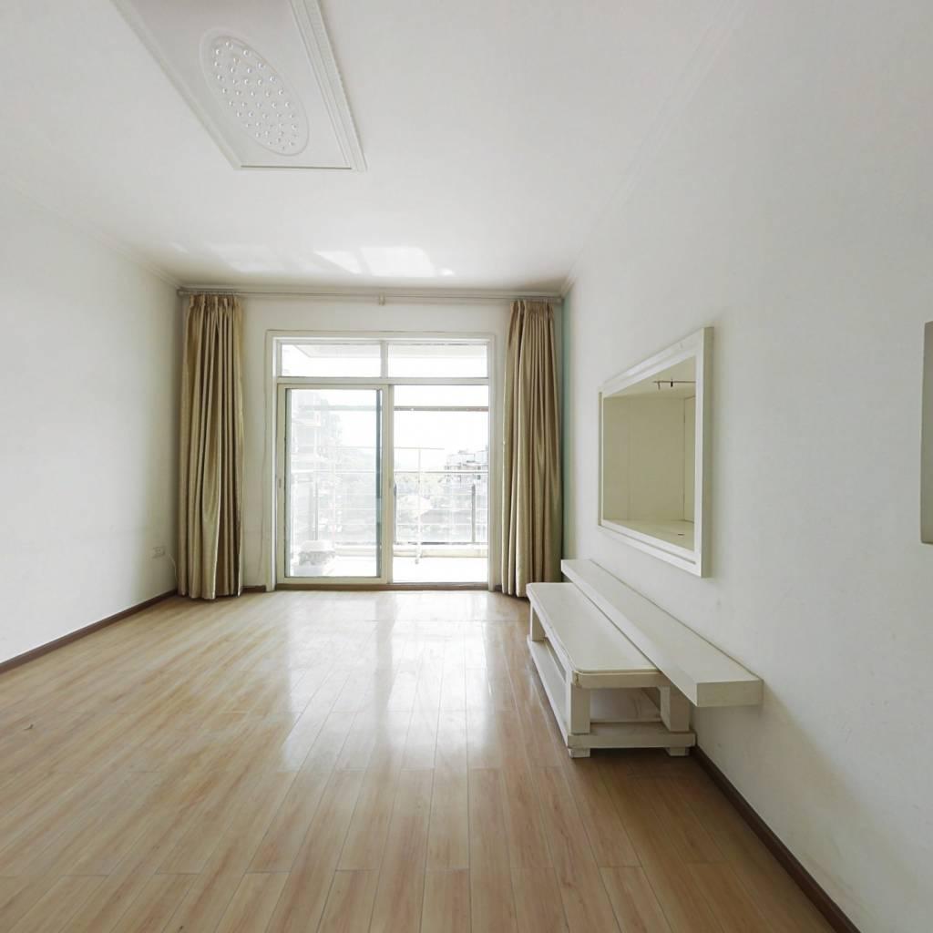 新凯山泉居大两房 中间楼层 满二 诚心出售