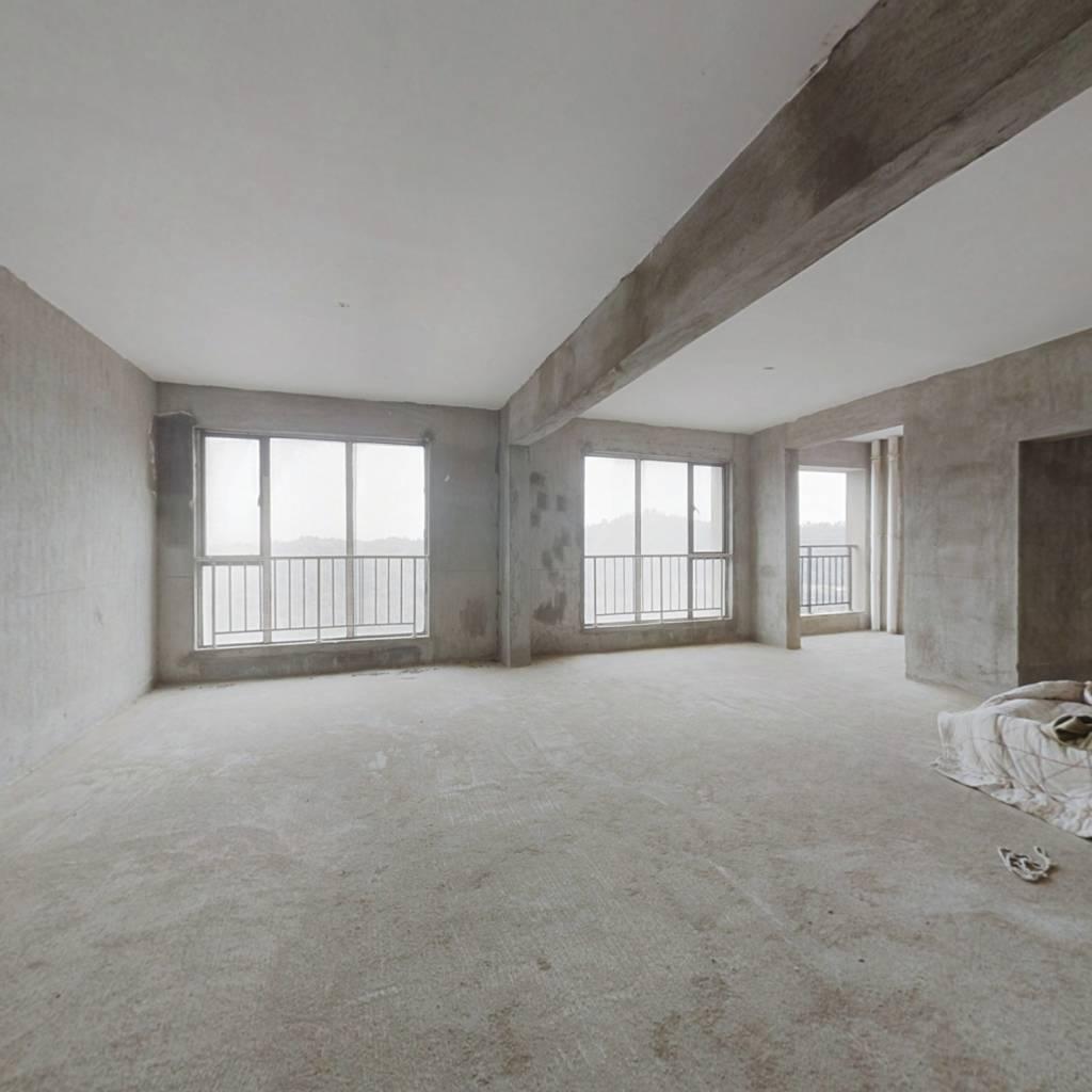 颐澜湾小区 6室2厅 南