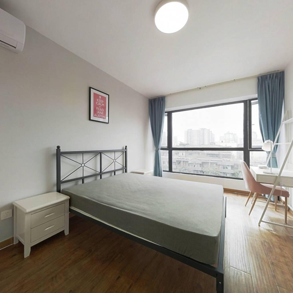 合租·富丽碧蔓汀 4室1厅 西北卧室图