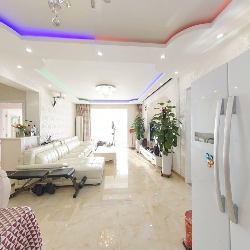 苏宁尊悦大厦 四居室 全明格局 精装修  有电梯