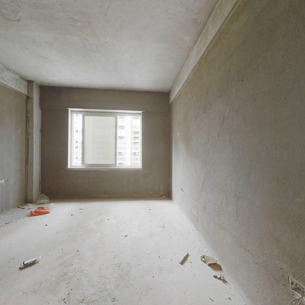 单身公寓自住出租皆可,现房出售,即买即装修