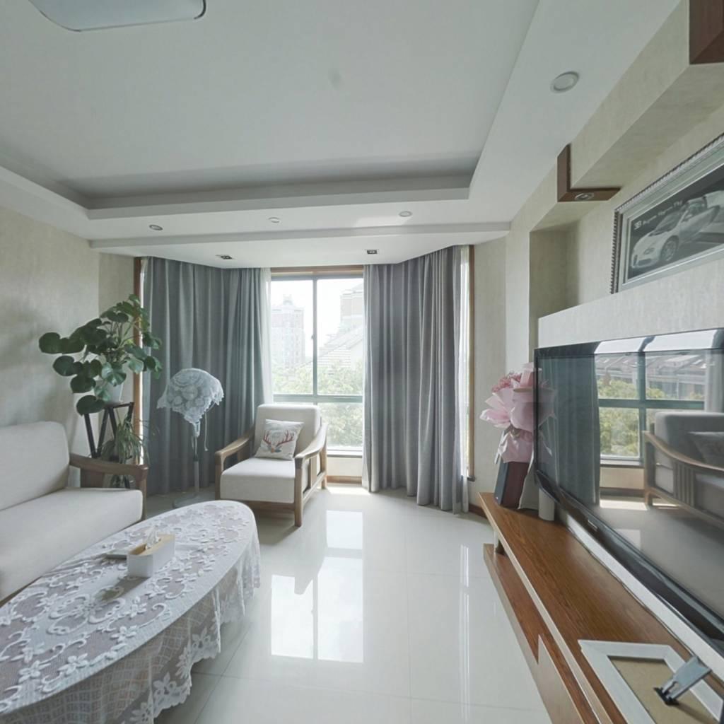 房东自住保养好楼上有独立的楼梯是两套独立的房子