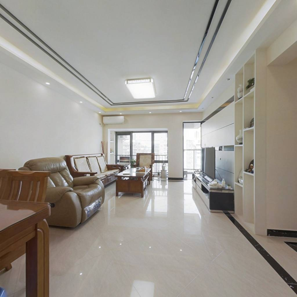 南联地铁口 精装修四房 满五年唯一 高楼层住宅