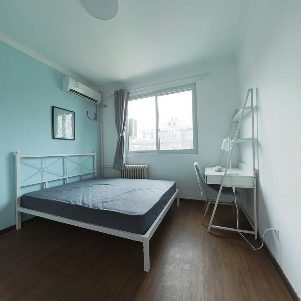 合租·南沙滩小区 3室1厅 南卧室图