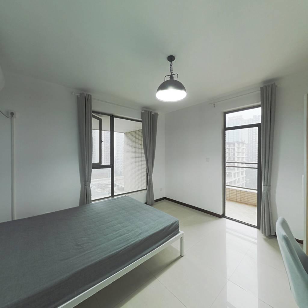 合租·龙湖三千里A区一期 3室1厅 北卧室图