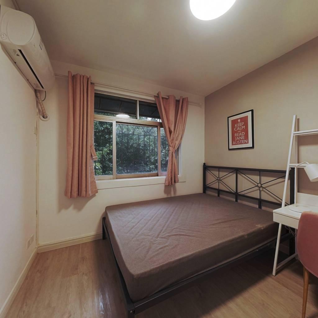 合租·红荔村 4室1厅 南卧室图