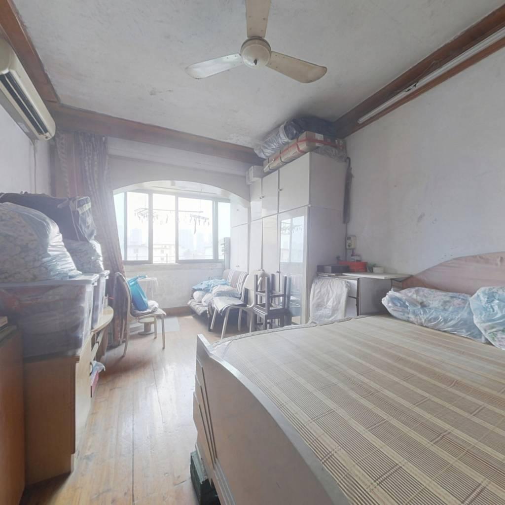 塔影二村一居室,总价低,配套成熟,诚意出售