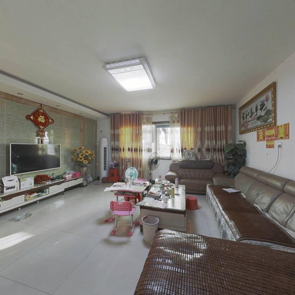 超大三居室,精装修,采光无遮挡,随时看房
