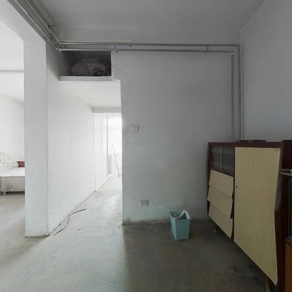 一室一厅  双气社区  采光充足  业主诚心出售