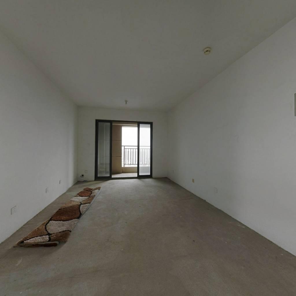 爱伦坡 三室精装 楼层好 位置佳 前排无遮挡 全天采光