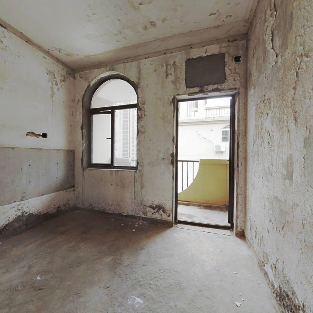 汤逊湖山庄 毛坯一室 低总价 满两年 电梯房