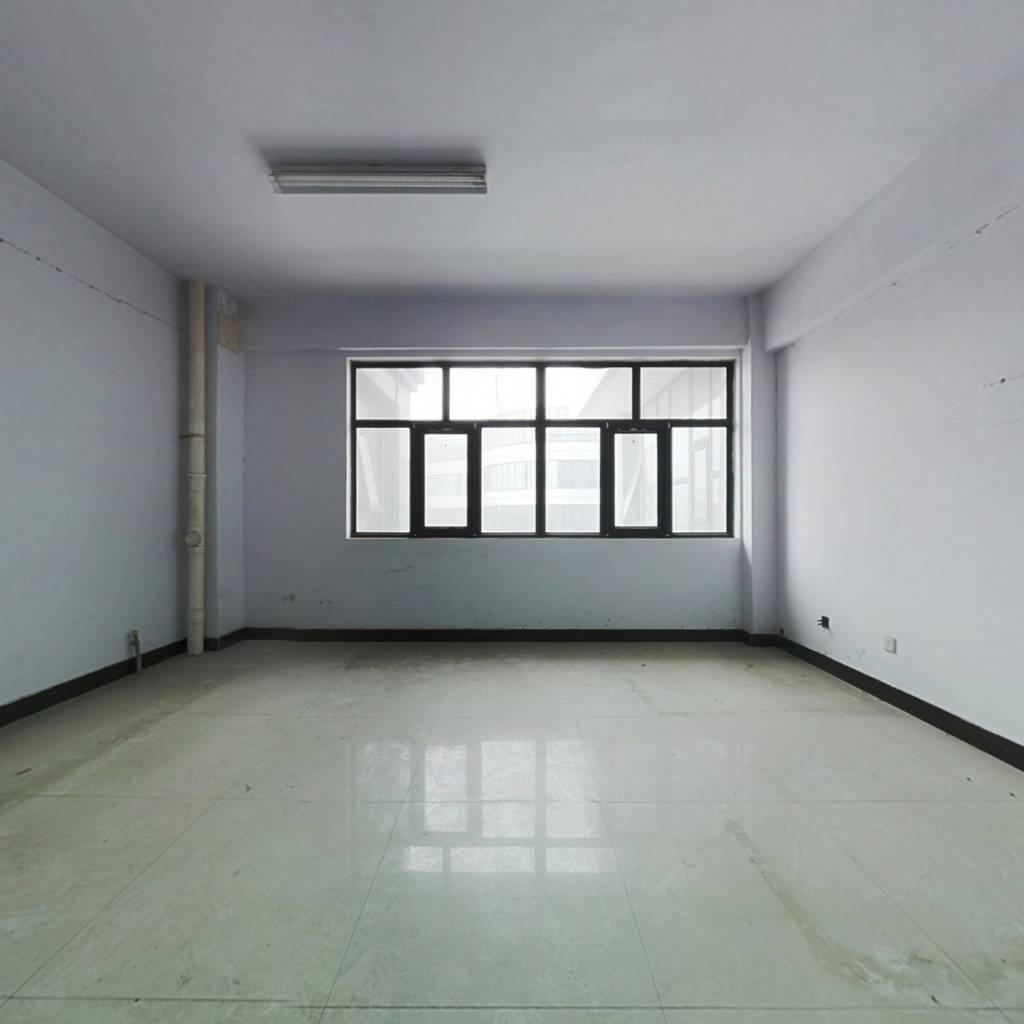 亚星SOHO广场楼办公单间满五税费低总价低