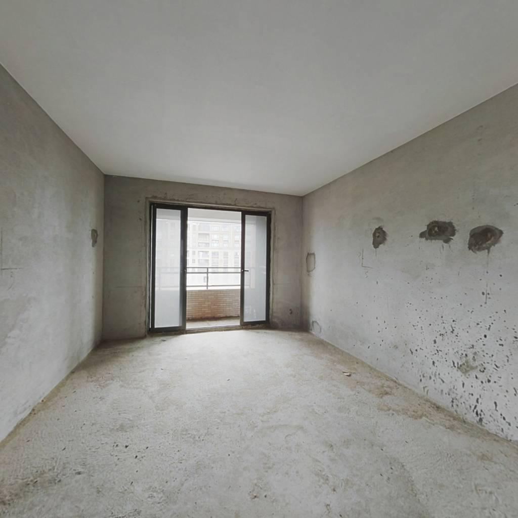 新世纪颐龙湾 高层毛坯四房 户型好 实用率高