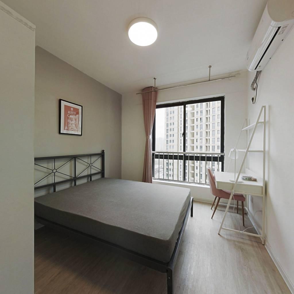 合租·云河南园 4室1厅 西卧室图