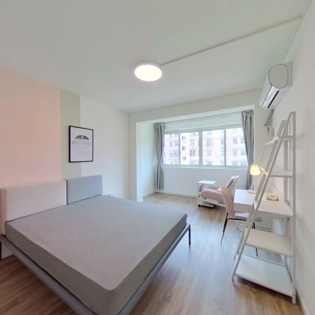 合租·海鹏公寓 3室1厅 南卧室图